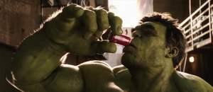 Capa - Homem-Formiga e o Hulk se enfrentam no novo comercial da Coca-Cola!