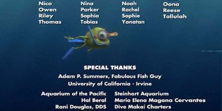 Procurando Nemo - Mike nadando