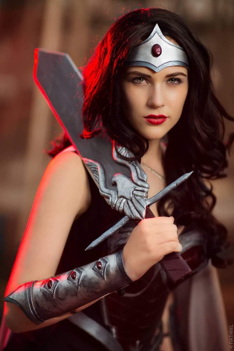 Cosplay Eve Beauregard Como Mulher Maravilha Legião Dos Heróis