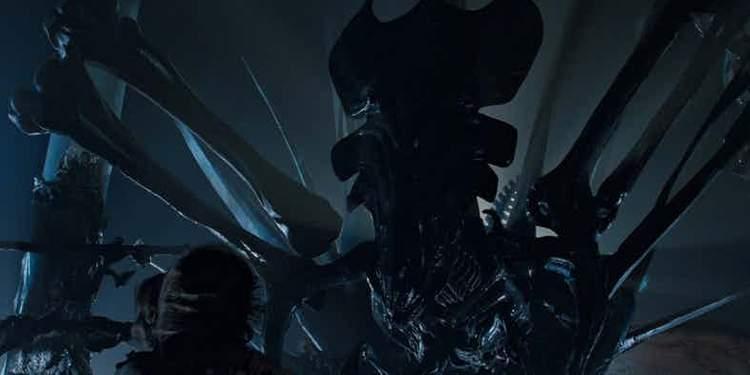 Primeira aparição da Rainha (Aliens, 1986)