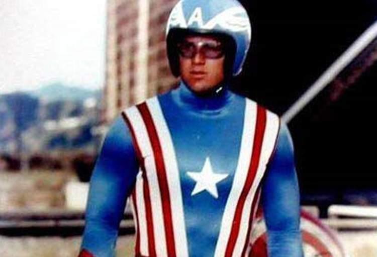 Reb Brown - Capitão América