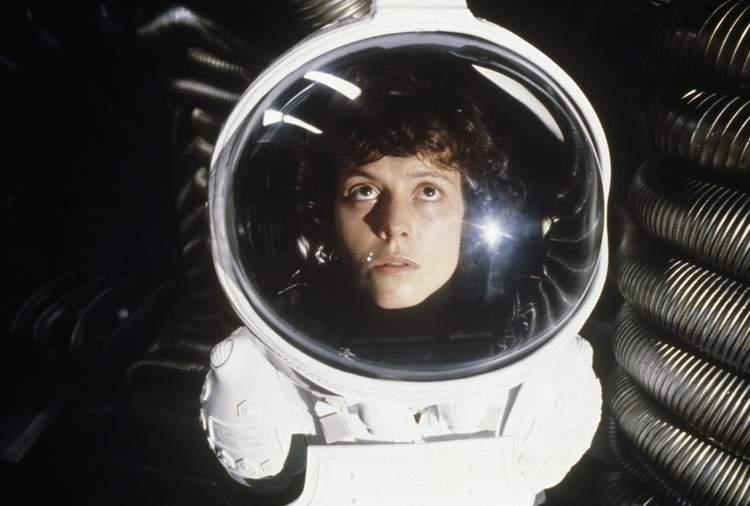 Várias referências à Alien
