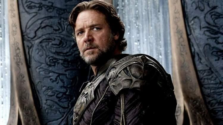 Russell Crowe como Jor-El