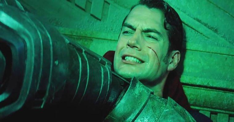 """Batman vs Superman - Críticas ao """"momento Salve Martha"""" não fazem ..."""