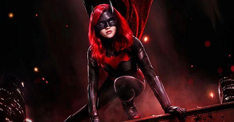 Batwoman: Ruby Rose quebra silêncio sobre sua saída da série