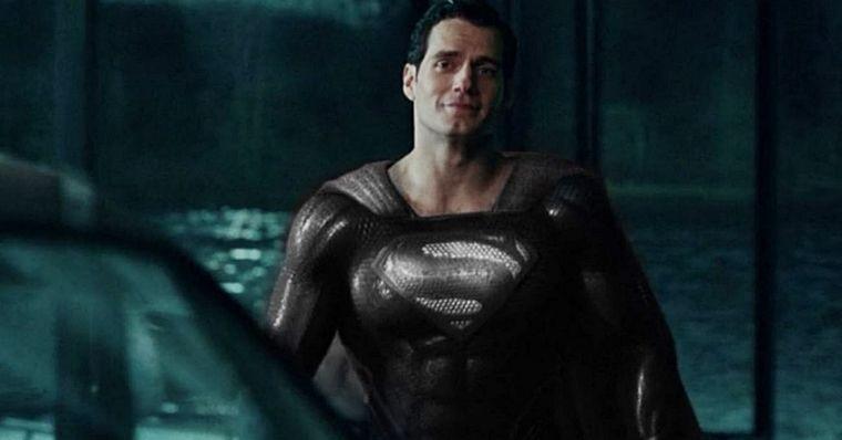 Liga da Justiça: Zack Snyder divulga cena do Superman com traje preto